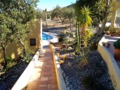 Finca Listonero path down to swimming pool